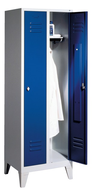 Locker with 150 mm legs 1850x610x500 mm, 2 compartments, 30 cm