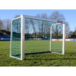 Sport-Thieme Mini Football Goal with PlayersProtect